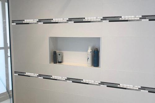B701 - Badezimmer Streifen