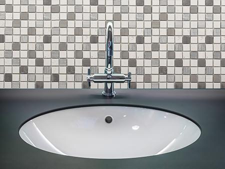 M033 - Badezimmer Vorderansicht