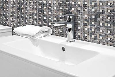 6. M518 - Badezimmer Schräg