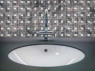 6. M518 - Badezimmer Vorderansicht