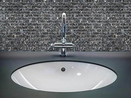 11. Blue Pearl 1,5 - Badezimmer Vorderansicht