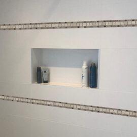 B502 - Badezimmer Streifen